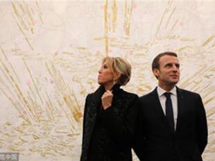 法国总统夫妇差24岁婚姻如何和谐