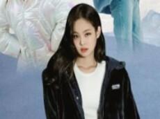 站姐嫌冷先走了,看到Jennie这件外套又回来了