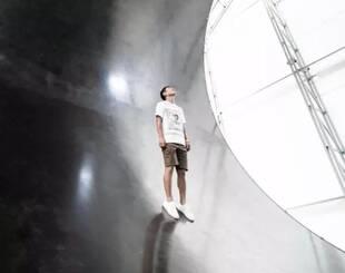 首个去月球度假的人诞生:包飞船探月,他的人生有多爽?