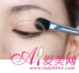 ol眼线的画法 妩媚韩式勾魂眼尾妆