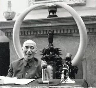 不可思议的老照片:蒋介石卖萌