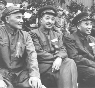 老照片看建国大业:1949年忙碌的开国领袖们