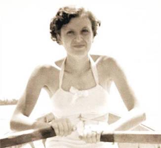 希特勒情妇爱娃罕见高清照:喜欢吸烟