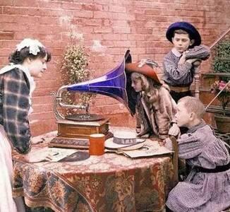世界上最早的彩色照片,百年前的少女这么美!