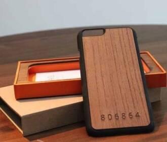 iPhone全系独特木质外壳 拥有独特编号
