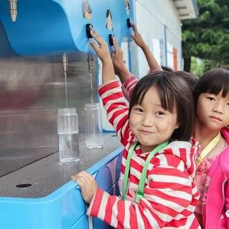 一杯干净的水,却是这些学校所有人的期盼