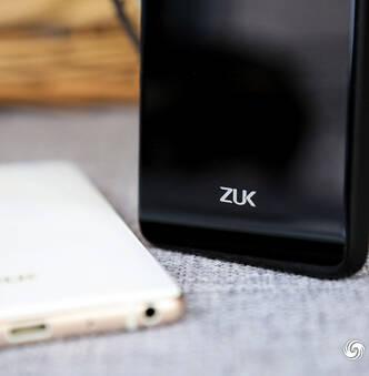 联想ZUK Z2图赏:配置强悍 像极了锤子