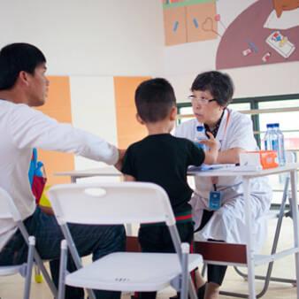 中国残疾人福利基金会组织全国孤独症康复专家义诊活动在海口市举行