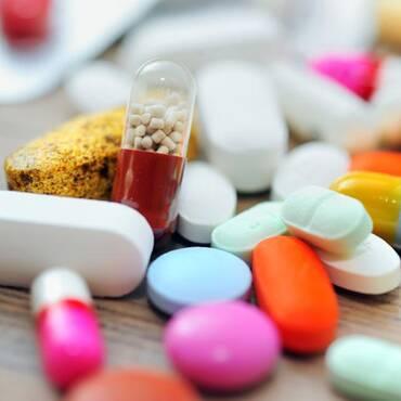 药价高真的该让医生背锅?
