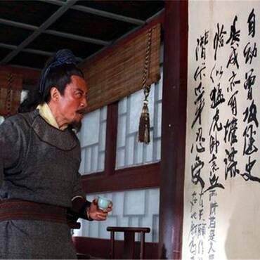 宋江喝醉了酒,为何写反诗嘲笑黄巢不丈夫