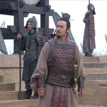 历史上死于意外的三位皇帝,被鼎砸被水呛,他最惨是掉进厕所