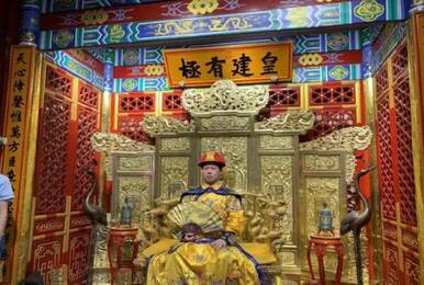 点化上帝的男人来了 猪皇将在北京组建DOTA2战队