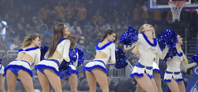 NBA啦啦队热舞 超短裙翘臀吸睛