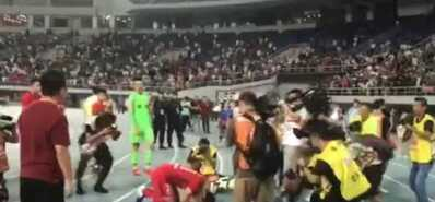 有情有义真汉子!韩国外援告别战跪拜球迷