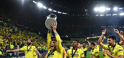 黃潛點球擊敗曼聯奪歐聯杯 埃梅里第四次奪冠