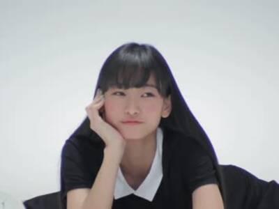 日本一字马女孩广告 你有听出这是首圣诞歌吗?