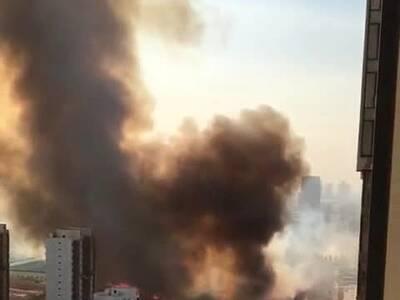 天津双港街头突发大火 现场传出爆炸声 图图片