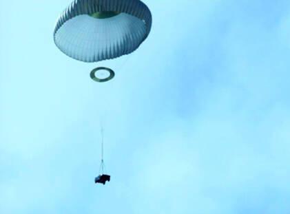 《速度与激情7》发飞车跳伞