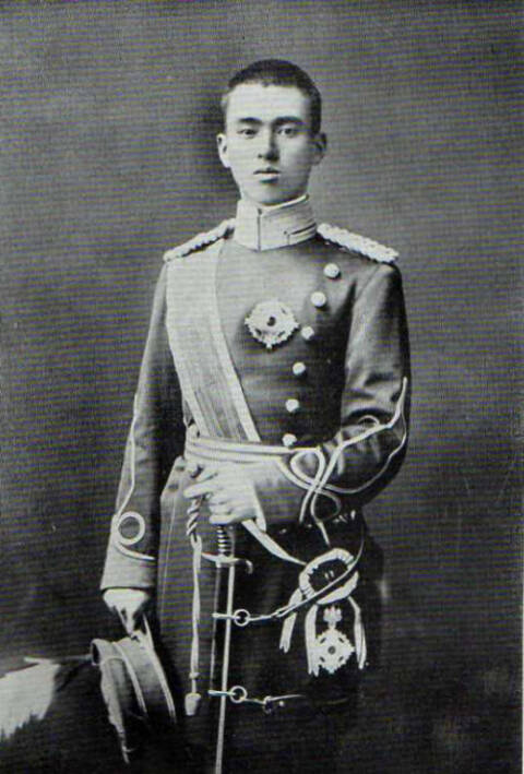 朝香宫鸠彦王_朝香宫鸠彦王于1937年12月2日被任命为上海派遣军总司令,下辖5个师团