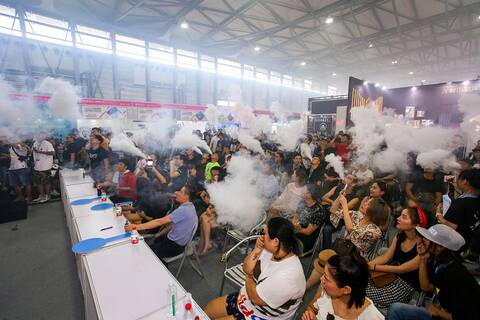 """7月上海电子烟展看好90后的""""雾区"""""""