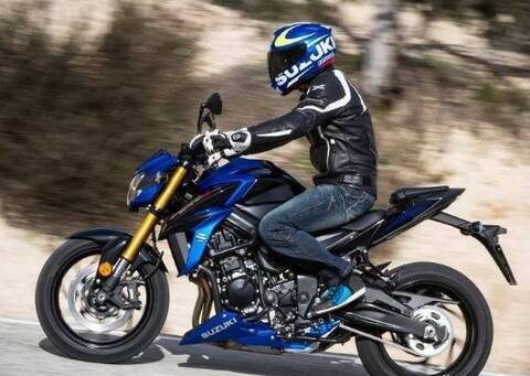 豪爵联合日本铃木推出4缸摩托gsx-s750,量产指日可待!
