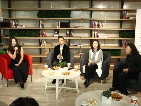 明义江南艺术对话沙龙在凤凰中心举行