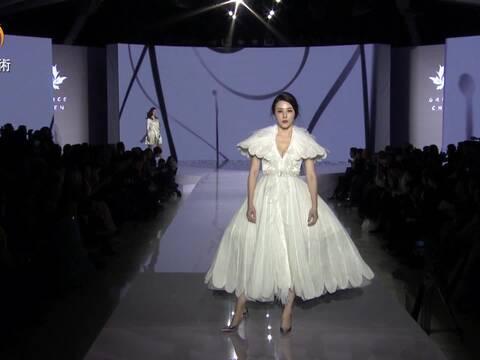 专访|Grace Chen用时装讲述美丽世界的真情与梦幻