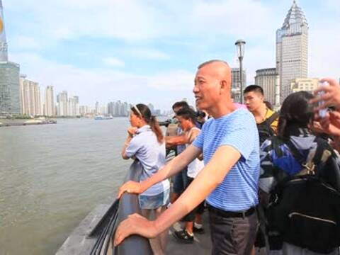 蔡国强:艺术家不是解决社会问题而是反映问题