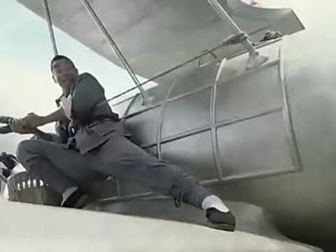 飞机机翼掷手榴弹