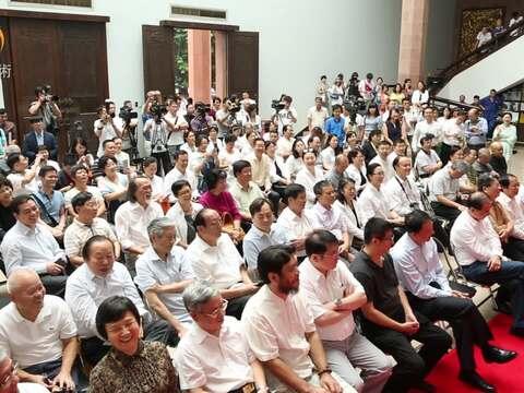陈履生艺术展广州开幕 多种艺术形式相融互通