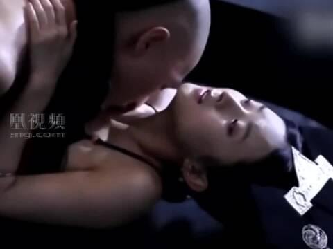 赵丽颖昔日与朱梓骁床戏花絮曝光 网友:太惊人