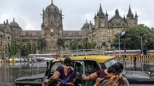 探贫民窟逛千人洗衣场 挑动神经的印度孟买之旅