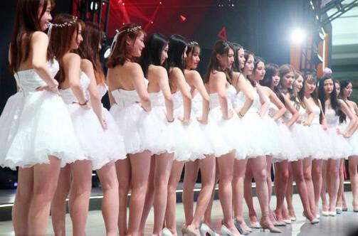 这是中国最大游戏展:Showgirl让人看花眼