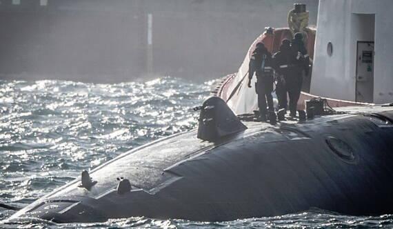 英核潛艇現身直布羅陀 艇身現神秘突起