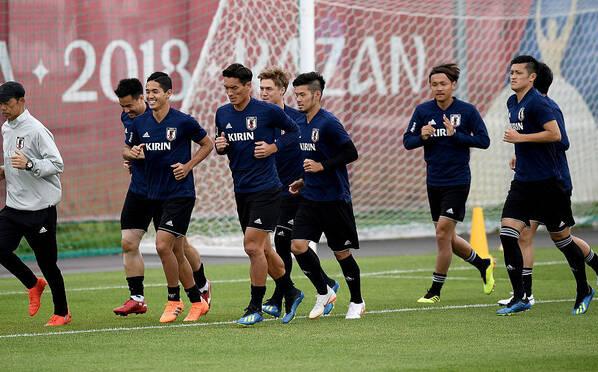 日本队训练备战 首战获胜全队气氛轻松