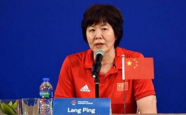 郎平雪藏她引争议 为选拔新人不惜输球