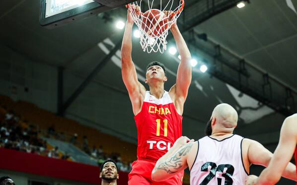 中国男篮击败安哥拉 易建联10+7周琦13+9