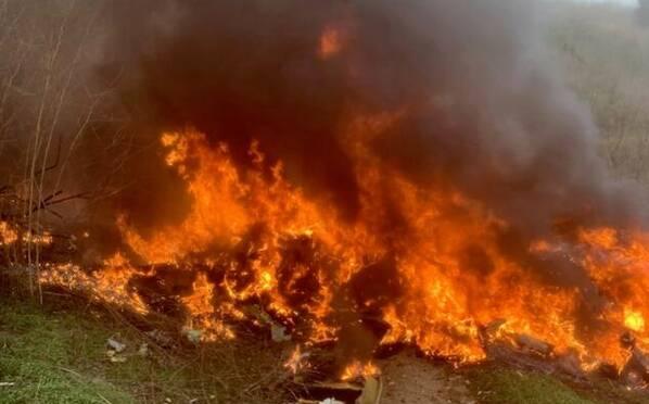 科比直升机事故现场图 坠毁后燃起熊熊大火