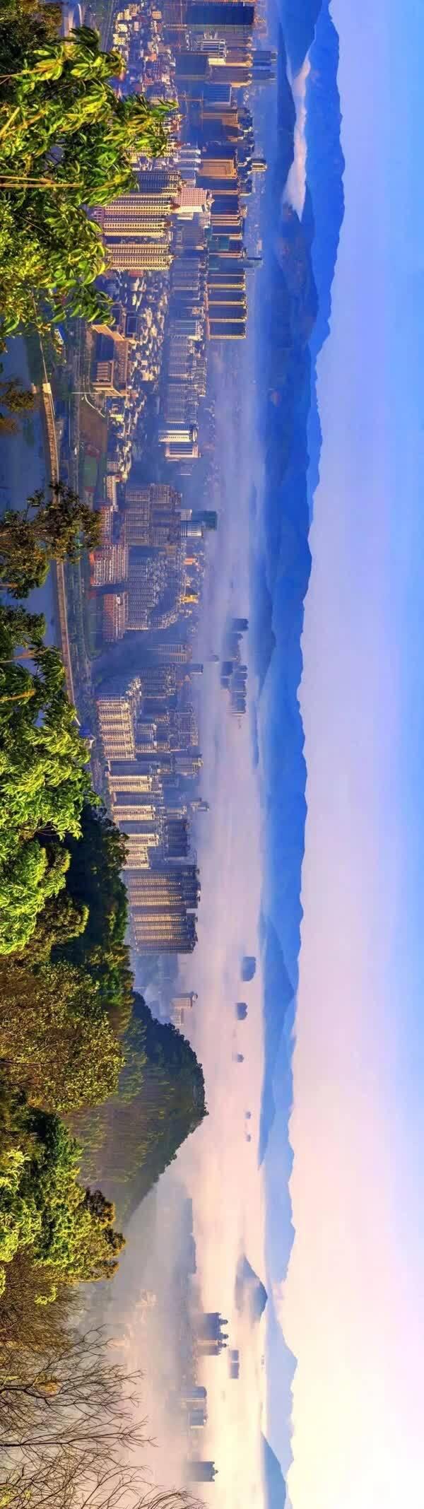 原标题:【聚焦】福清,40年!!! 这是一座古老而又年轻的城市 这是一座美丽而又富饶的城市 这是一座全面开放,正在走向世界的城市 这就是三福之地 福建福州福清 改革开放已走过40个春秋 作为福清人 回望这段岁月 哪一幅画面? 最让你心动 哪一片风景? 让你心潮澎湃  这里是老城区