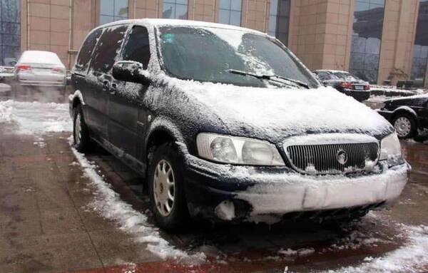 纯电动车不带发动机,冬天用什么制热?莫非是车主的一头怒气