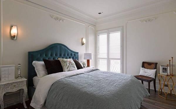 而且不仅是客厅,就算是卧室等地方也一样可以用石膏线来装饰