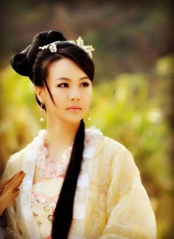 《倾城时光》主演们换上古装,宁维凯变英俊,陈雅怡成