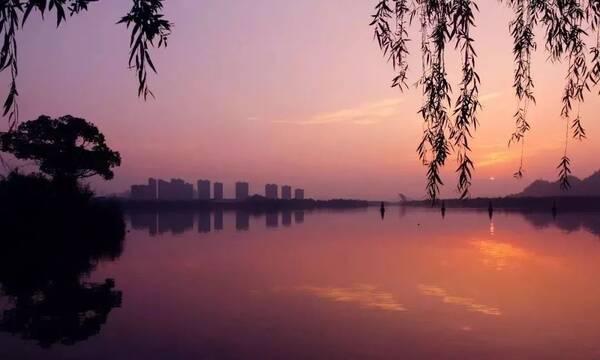 一起到灵湖遇见最美的风景