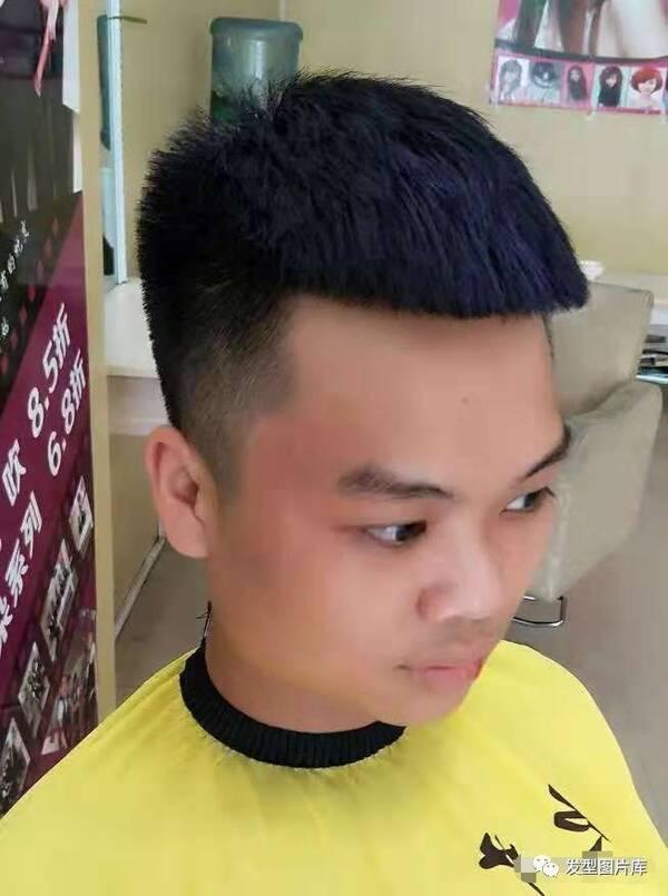 男生发型:网红瓜子头图片