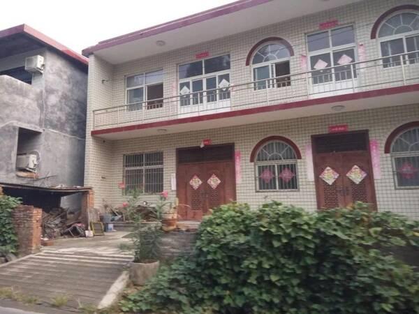 新农村住房的改变:小时候盖红砖房,楼房,如今流行建乡村别墅!