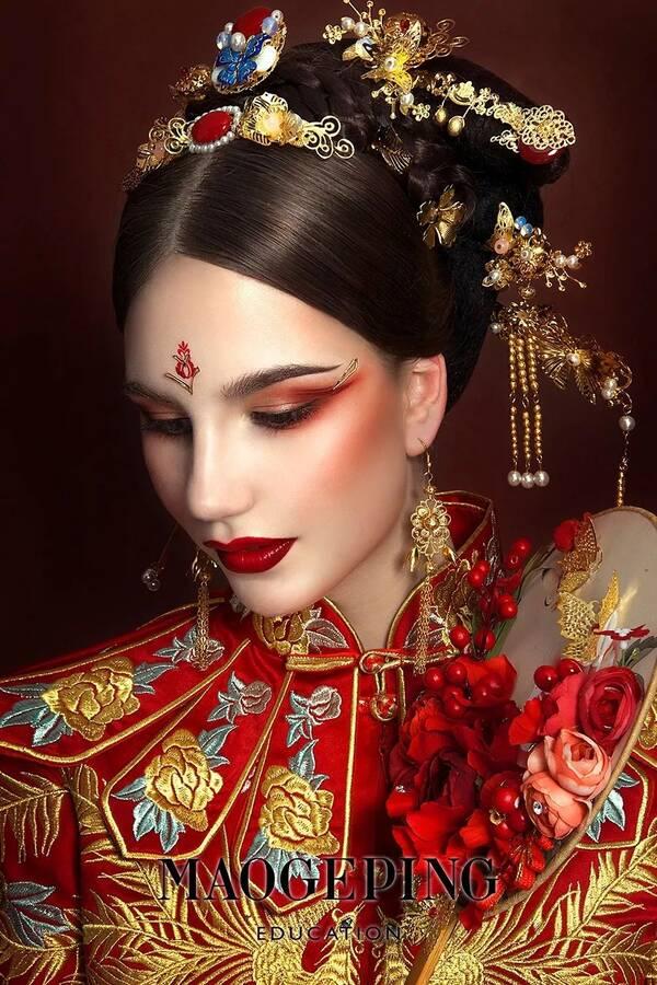 分享一组创意中式新娘造型,美爆了!图片