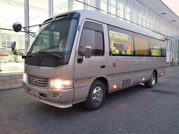 丰田考斯特12座改装商务车:陆地商务头号