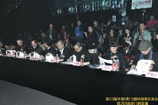 广东省服装设计师协会会长,jiwenbo时尚机构艺术总监 计文波,上海标顶