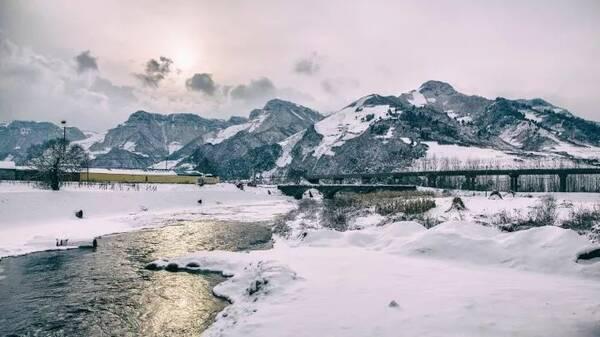 临江市是环长白山,沿鸭绿江重要的旅游节点城市,旅游景点星罗密布