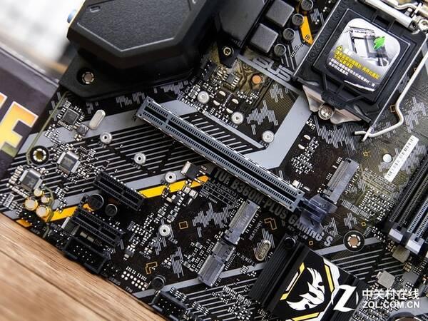 华硕(ASUS)TUF B360M-PLUS GAMING S 技嘉(GIGABYTE)AB350M-Gaming 3 主板 采用AMD B350芯片组,拥有加强型7相CPU供电,支持AMD CrossFireX交火技术,是一款定位电竞级的主板。目前,这款CPU在京东上的售价为579元,觉得不错用户可以考虑。